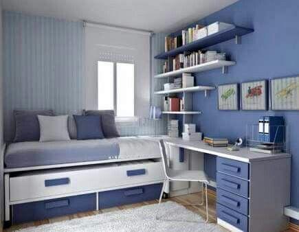 Azul y blanco idea recamara peque a ventana en esquina for Recamaras con escritorio