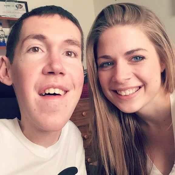 Here's Shane Burcaw and his girlfriend, Anna Reinalda.