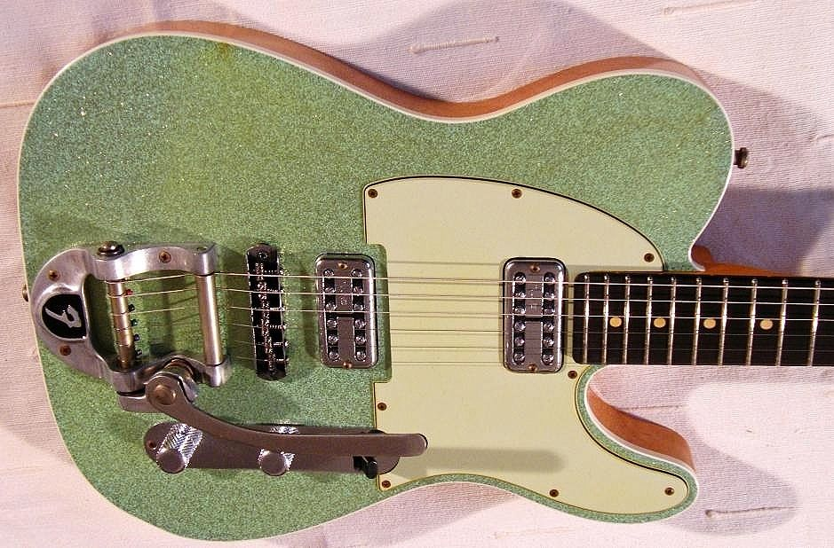 Telecaster '60's look with the Filtertron pickups, Green Sparkle and the Bigsby