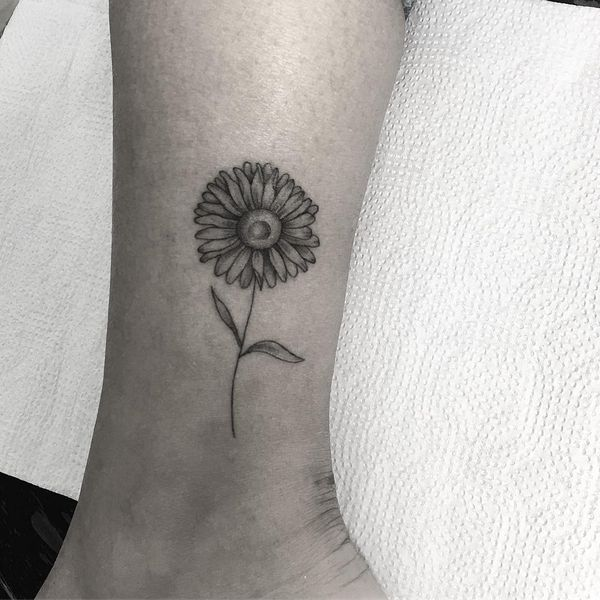 Sunflower Tattoo Meaning And Designs August 2020 Sunflower Tattoo Small Sunflower Tattoo Meaning Sunflower Tattoo