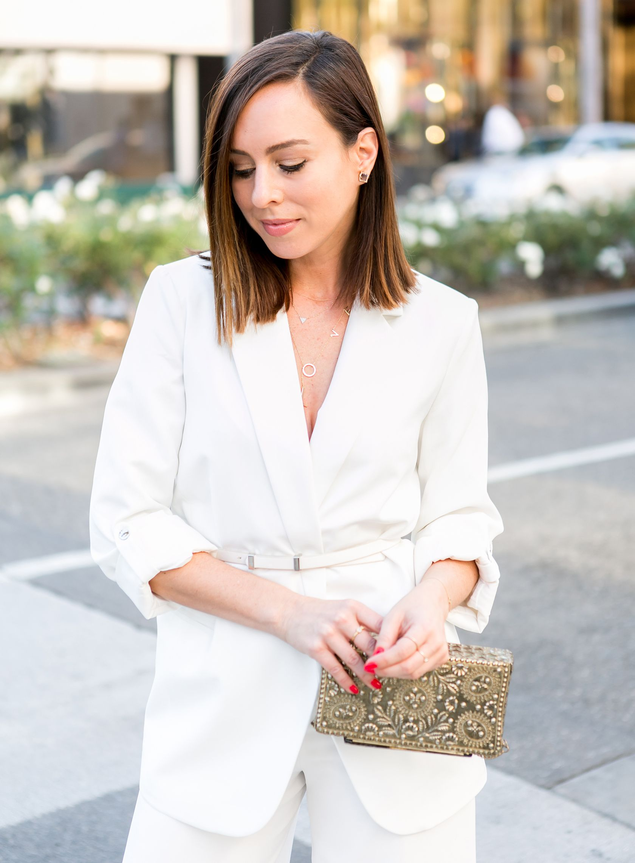 9e0a4d9e550c Sydne Style shows how to wear a white blazer for spring outfit ideas #white  #blazer #celebrityfashion #outfitideas #belts