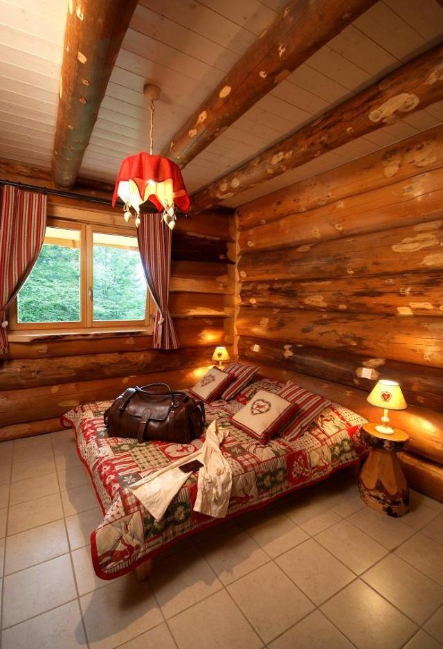 fabricant de fustes chalets en rondin maison en bois vosges maison pinterest rondin. Black Bedroom Furniture Sets. Home Design Ideas