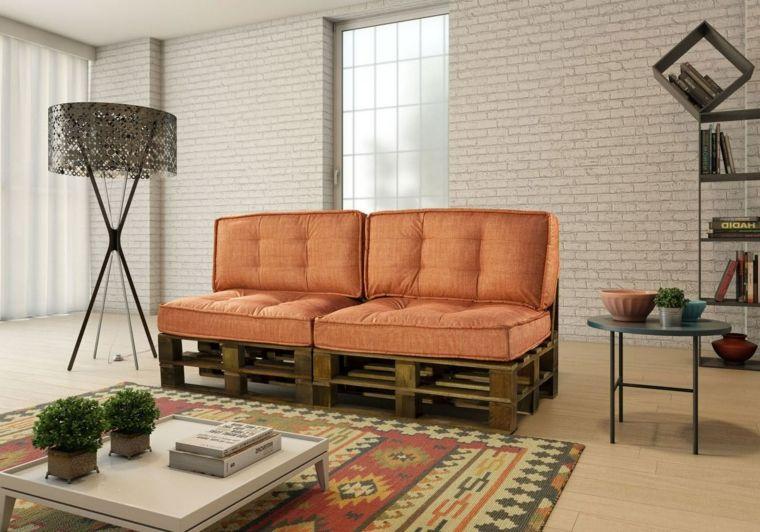 Mobili Con Pallets : Soggiorno con dei mobili con pallet un divano lineare con due