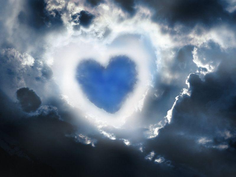 Imagenes de Nube de Corazon y Fondos de pantalla de Nube de Corazon |  Corazones, Besos románticos, Nubes