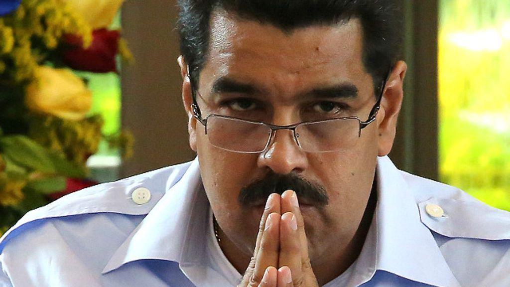 El desplome de la economía venezolana se siente de diversas maneras, desde las dudas por el subsidio de petróleo en el Caribe hasta el colapso del comercio transfronterizo en Colombia.