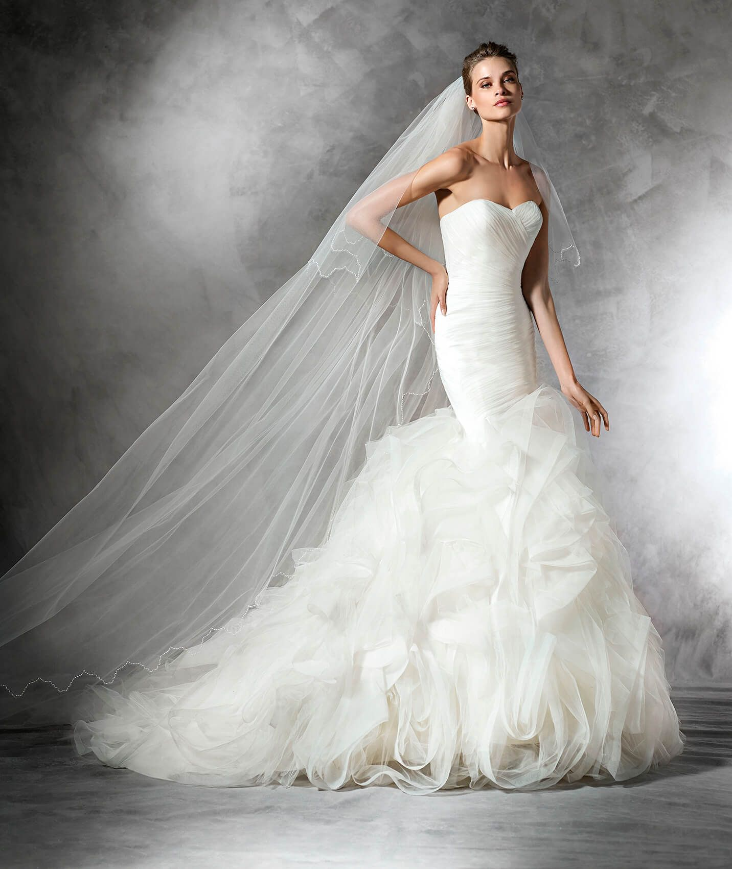 MILDRED - Mermaid wedding dress in tulle with a sweetheart neckline ...