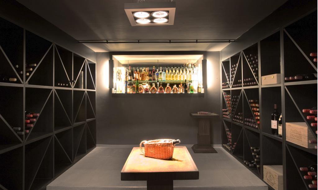 Cave à vin | cave à vin | Pinterest | Industrial office design ...