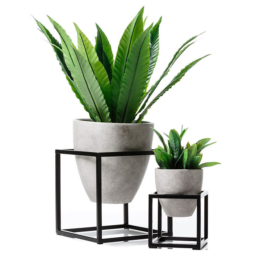A Fabulous And Stylish Way To Keep Your Potted Plants Off The