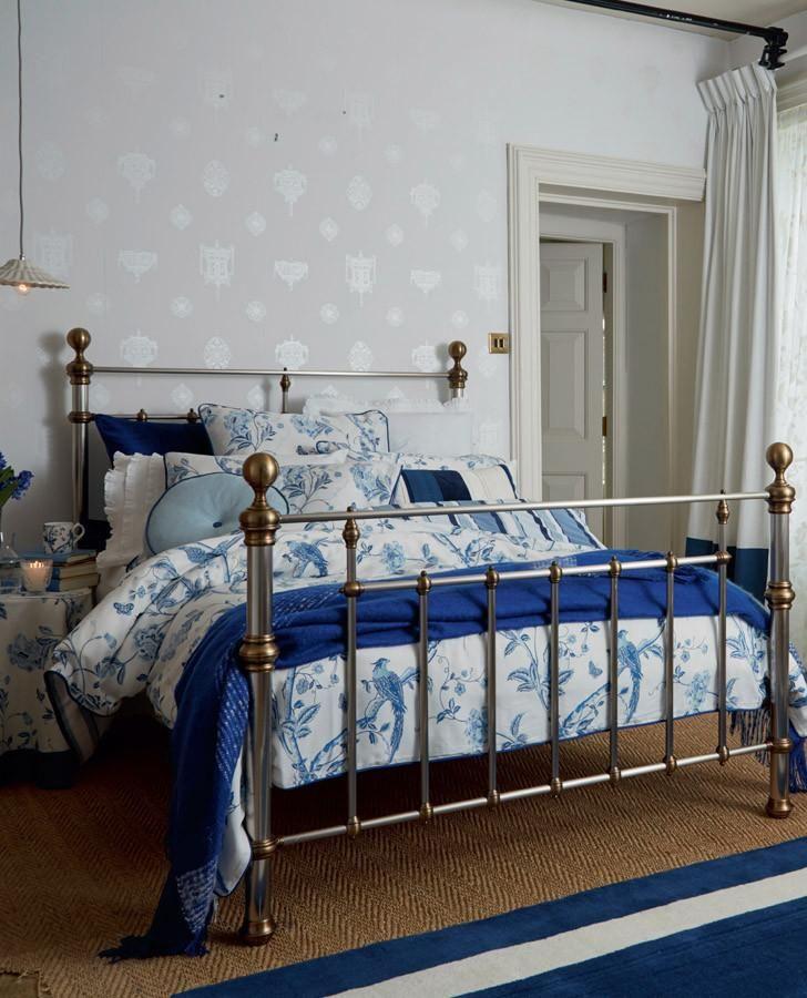"Laura Ashley Designer Cushion Cover /""SUMMER PALACE/"" ROYAL BLUE Various Sizes"
