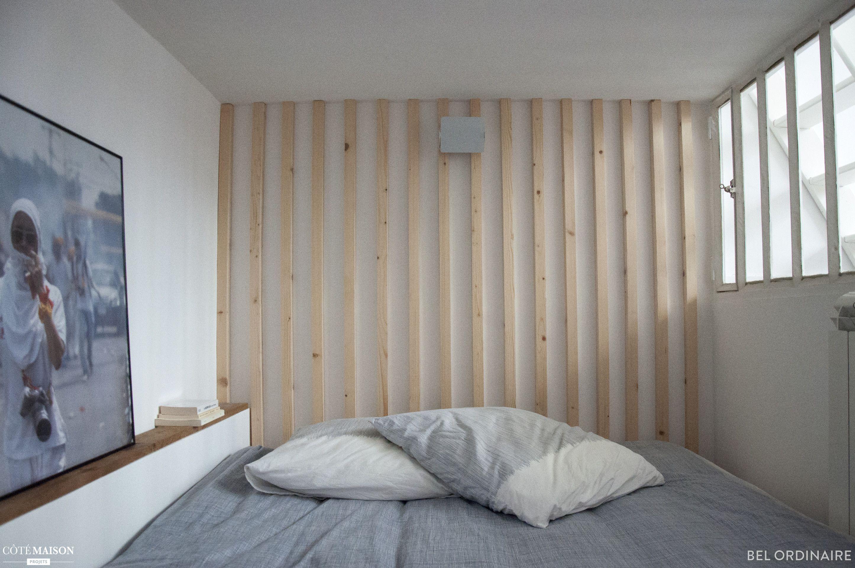 Une Chambre Avec Une Tete De Lit Realisee En Tasseaux De Bois Par L Agence Bel Ordinaire Claustra Deco Chambre Deco Fait Maison