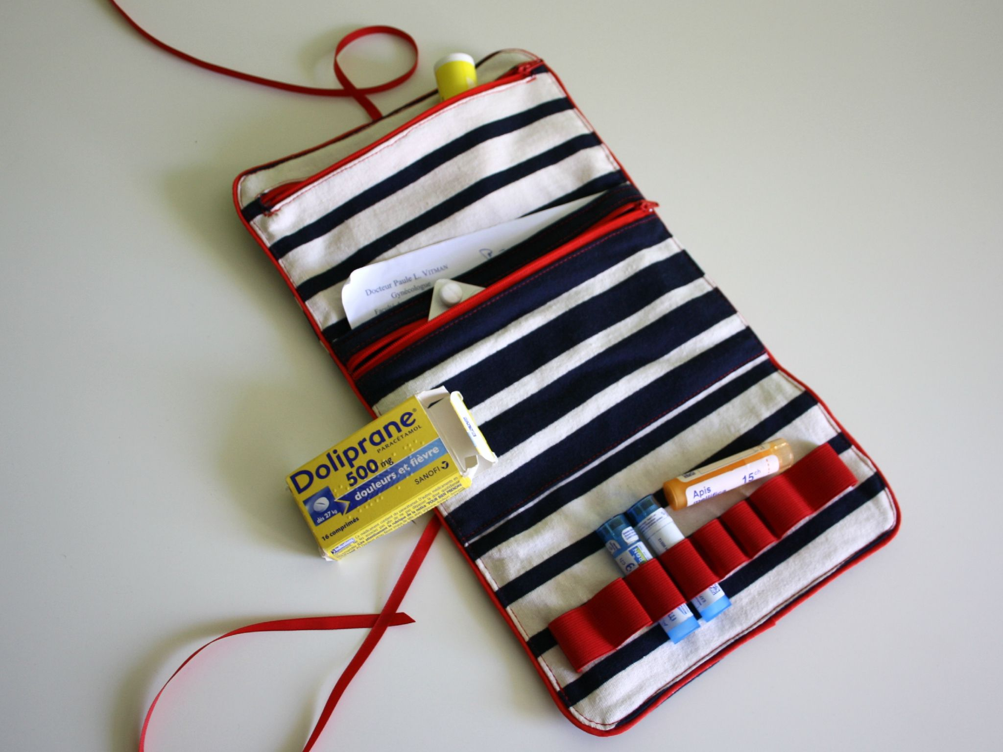 17 best ideas about trousse pharmacie on pinterest for Couture trousse