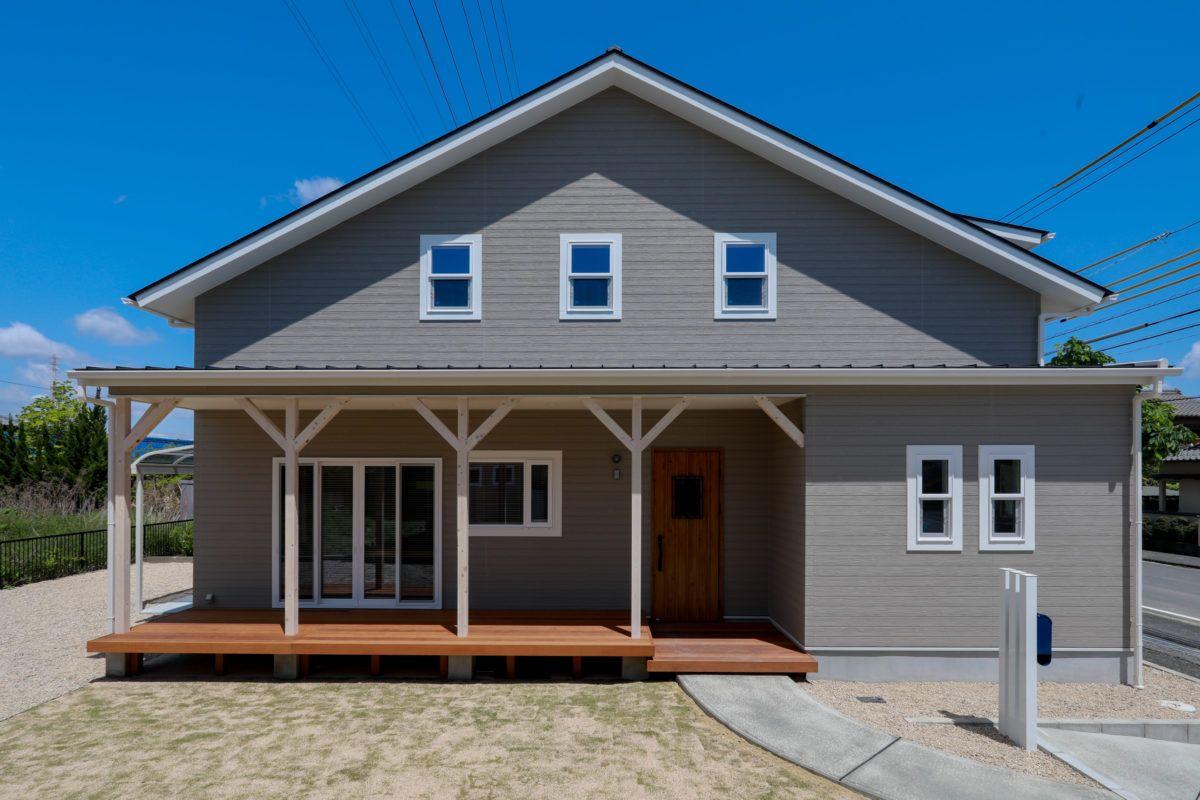 全館空調で毎日快適グレーの西海岸風住宅 チェックハウスプラス