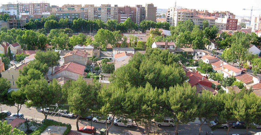 Barrio Ciudad Jardín De La Jota En Zaragoza Ciudad Jardin Paisajes Parque Urbano