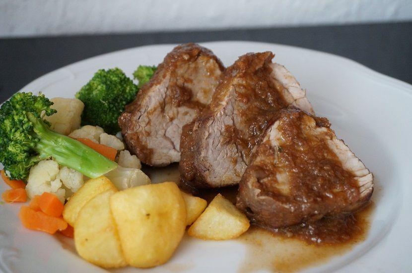 Solomillo En Salsa De Vino Tinto Una Receta Sencilla Receta Salsas De Vino Tinto Cocinar Solomillo De Cerdo Solomillo De Cerdo