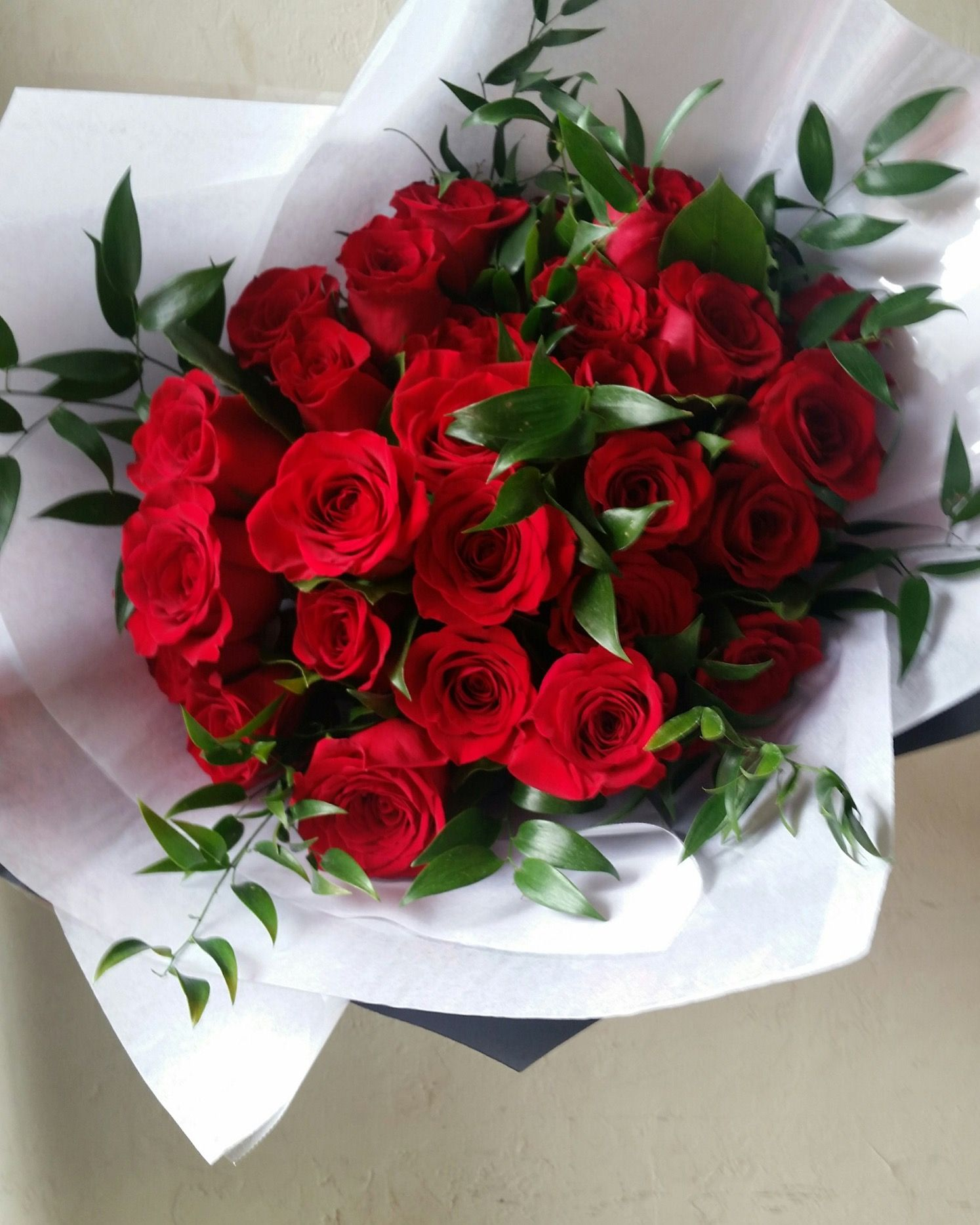 Pin By Chrow On Botany Floral Studio Luxury Flower Bouquets Red Rose Bouquet Ordering Wedding Flowers Online