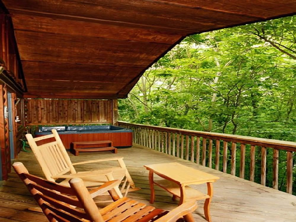 Cowboy Hideaway Is Located Less Than 2 Miles From Dollywood!