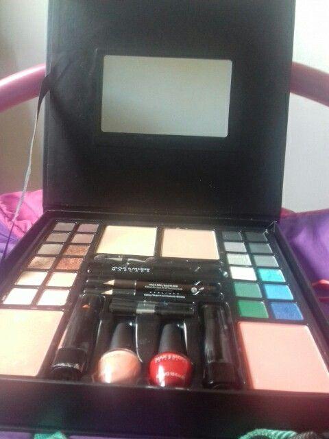 Palette de maquillage nuance de couleurs