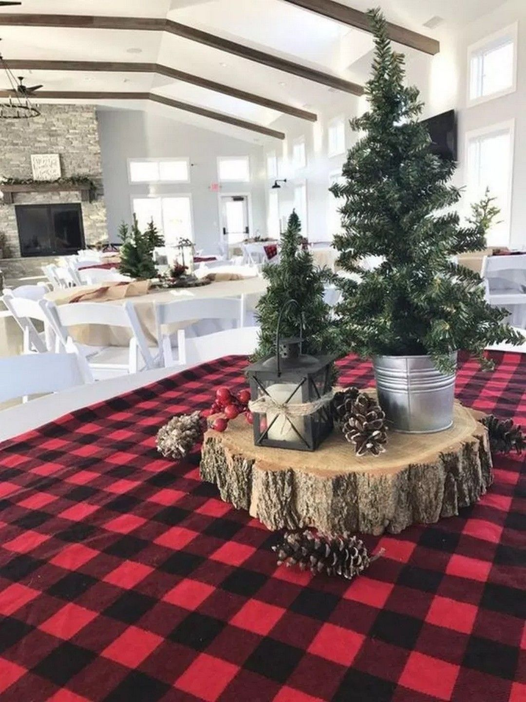 Farmhouse Christmas Decor And Decorating Ideas  Decoration table