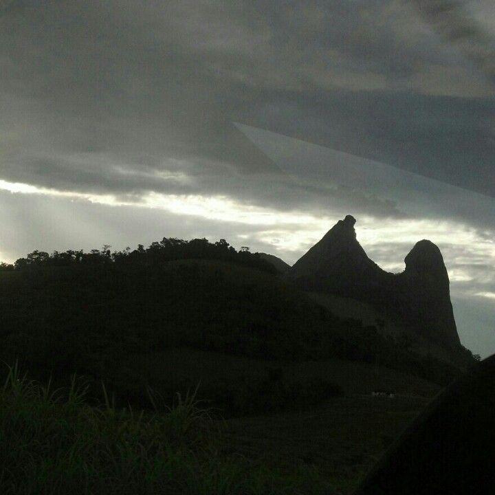 Pedra O Frade e a Freira-Rio Novo do Sul-ES-Brasil