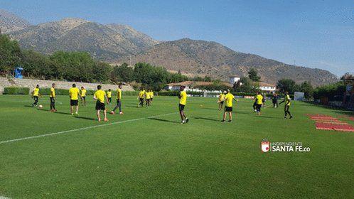 RT @SantaFe: Hoy nuestros Leones continuarán en San Carlos de Apoquindo preparando el juego del miércoles 3:15pm vs Cobresal https://t.co/IlZ9nvpmNq