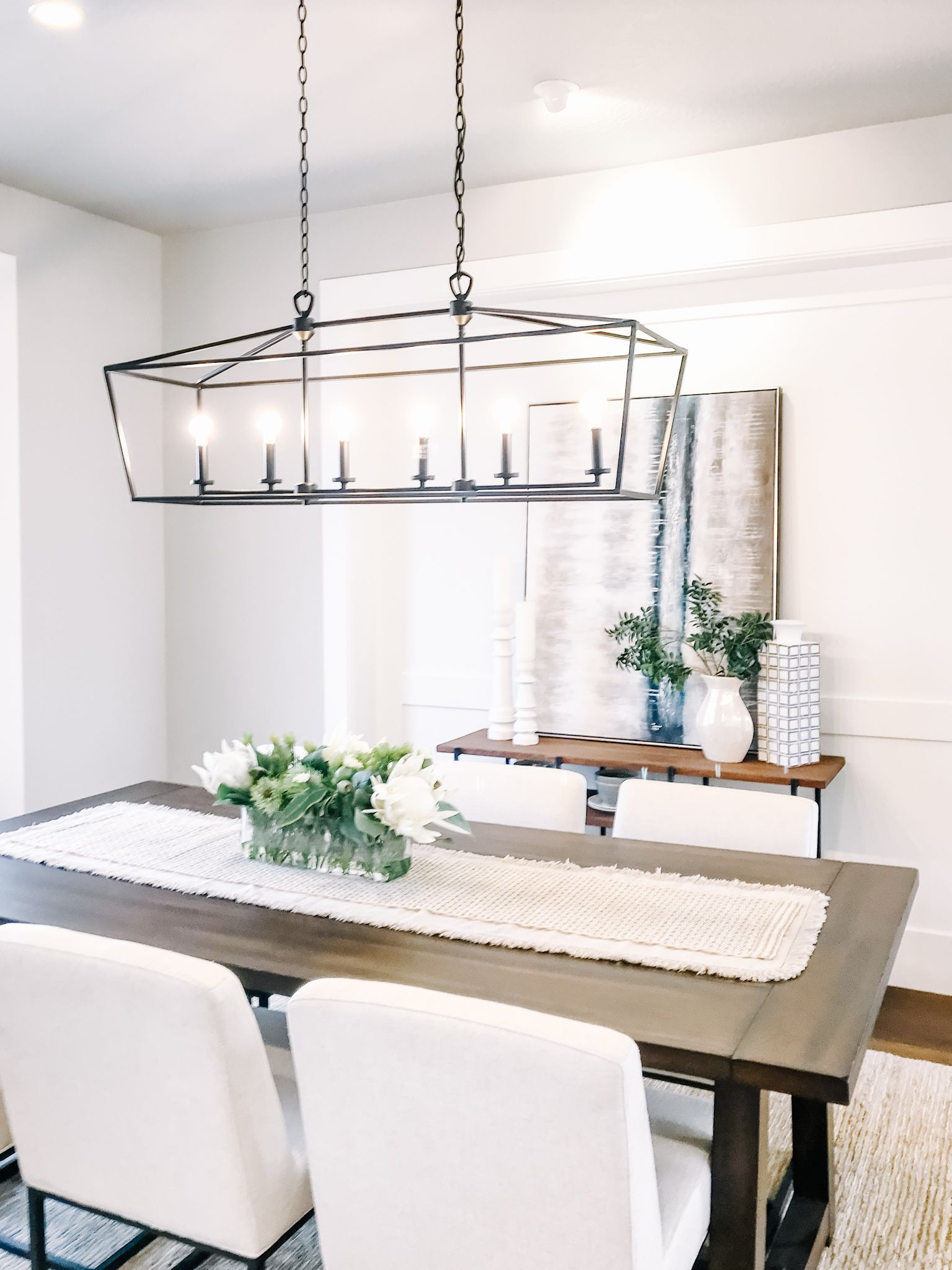 Dining room styling ideas with a low pile cream rug ...