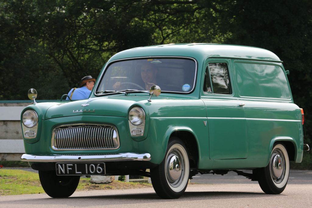 Pin By Wuttipong Limvattanochai On Ford Anglia Ford Anglia British Cars Classic Car Show