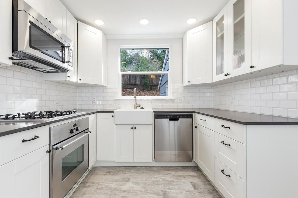 Good Contemporary Kitchen With Slate Counters, U Shaped, Farmhouse Sink, Belle  Foret 21.25