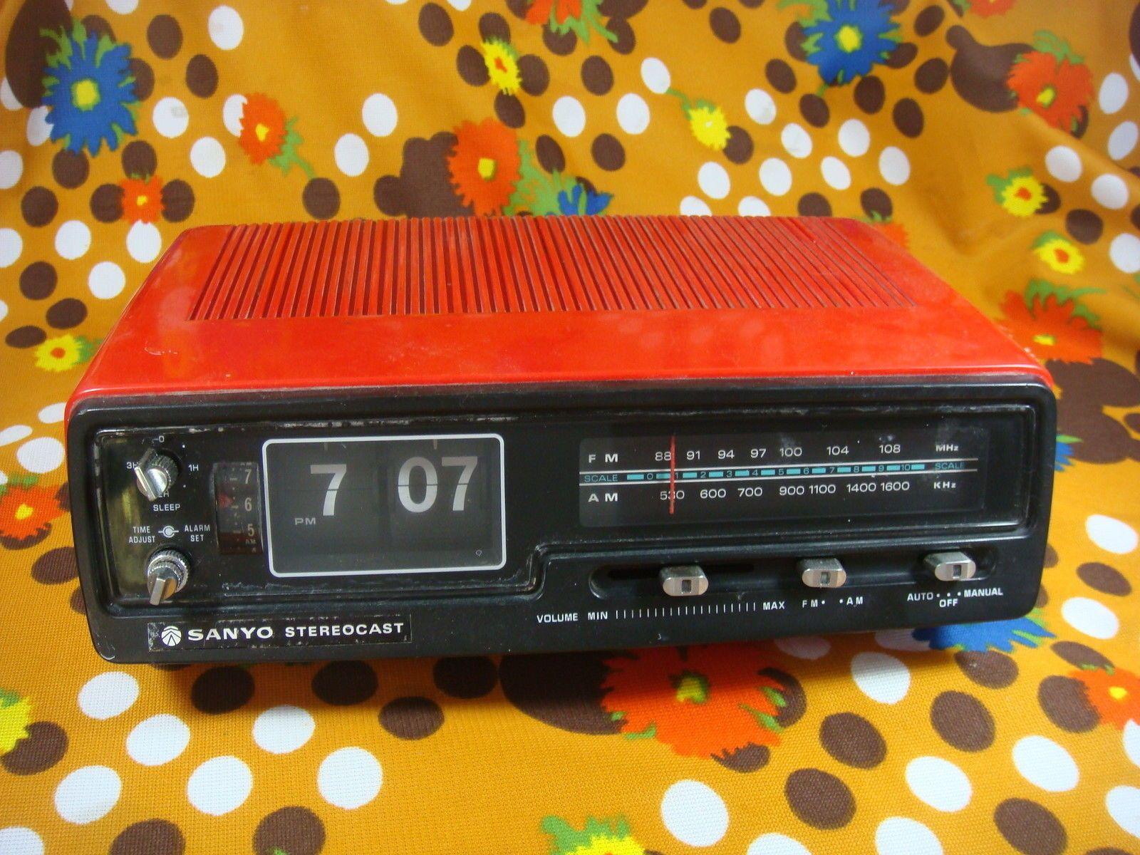 Vintage Sanyo Stereocast Flip Alarm Clock Radio Red Rm5320