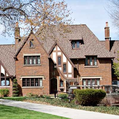Tudor Revival Architectural Style Popular In The Us From 1900 To 1940 Tudor Style Homes Tudor House House Styles