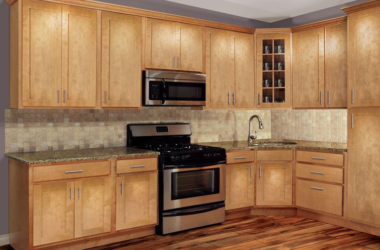 Park Avenue Honey Maple Shaker Kitchen Cabinets Www Solidwoodcabinets Com Solid Wood Cabinets Maple Kitchen Cabinets Kitchen Remodel Kitchen Cabinets