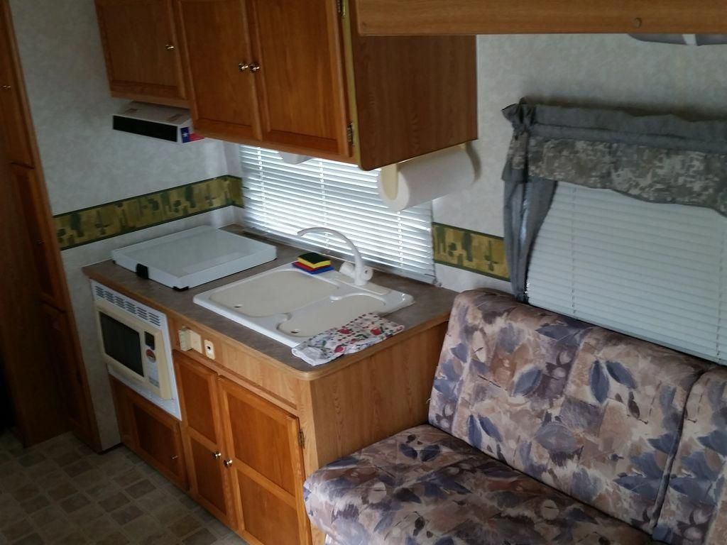 The rv smells clean and nonmouldy like other coastal