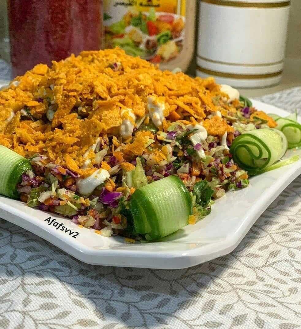 Salat366 On Instagram سلطة الدوريتوس من حساب الجميله Afafsvv2 ملفوف ابيض ملفوف بنفسجي خس جزر نقطعها تقطيع صغير يدوي Cobb Salad Food Salads