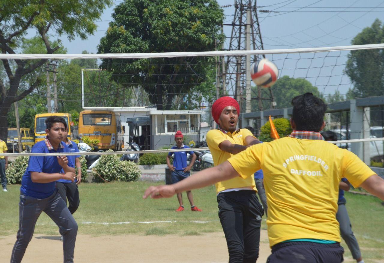 Springfield Public School Organized An Inter House Volleyball Match In Its School Premises The Boy S C Best Boarding Schools India School Top Boarding Schools