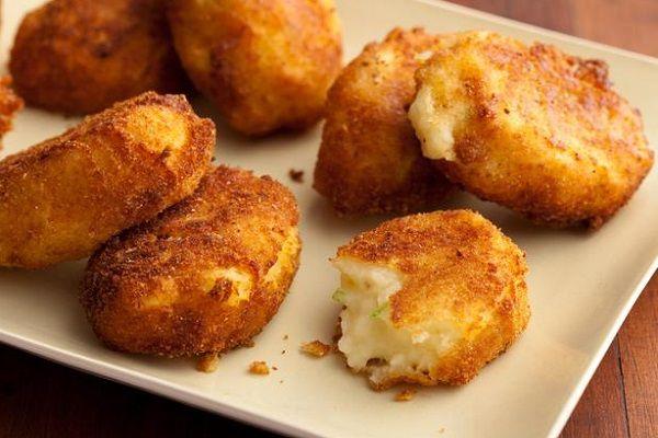 طريقة عمل كرات البطاطس المقلية بالجبنة Potato Croquettes Food Network Recipes Thanksgiving Leftover Recipes
