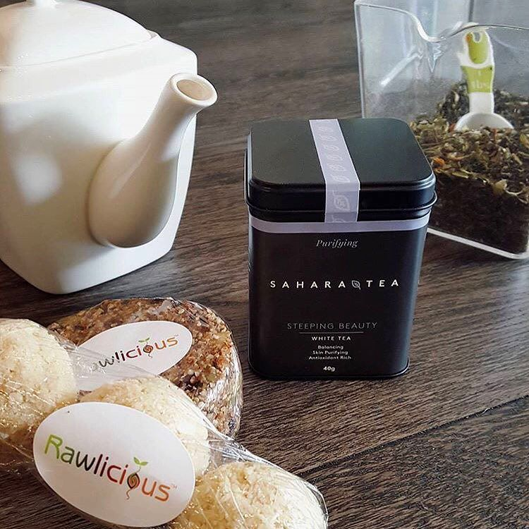 Afternoon snacks at @rawlicioushamilton never disappoint especially when delicious macaroons are involved! : @rawlicioushamilton #regram #saharatea #wellness #tea #steepingbeauty #macaroons #rawlicious #organic #glutenfree #raw #vegan