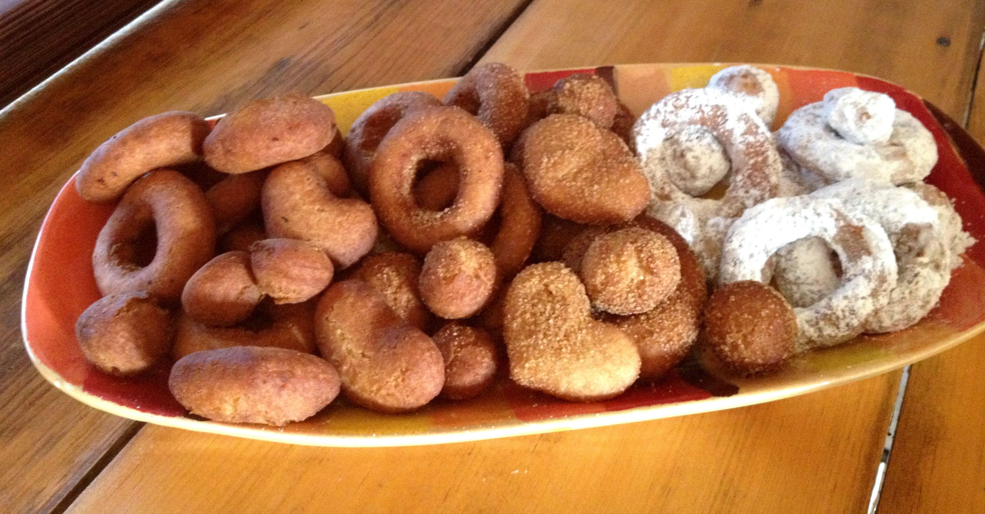Fresh Hot Doughnuts Served Civil War Style