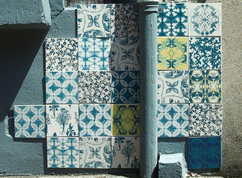 Sur les murs… | carrelage artisanal sérigraphié, décoration murale
