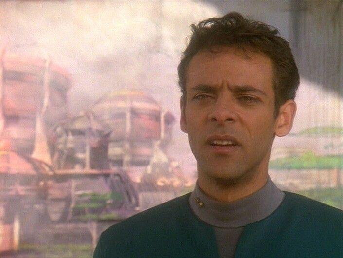 Alexander Siddig as Dr Julian Bashir in Star Trek Deep Space Nine - dr bashir i presume