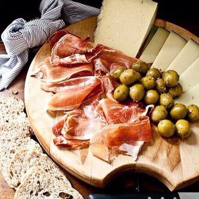 tapas quesos y vinos