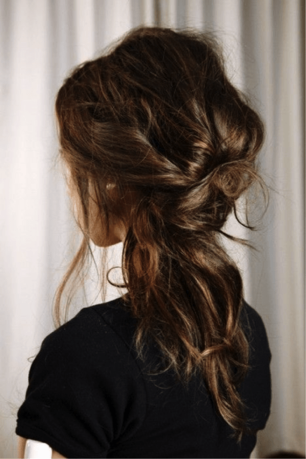 10 Trendy Hairstyles That Will Save Your Hair On Rainy Days Nicestyles 10 Trendy Hairstyles That Will Save Y Messy Hairstyles Hair Styles Long Hair Styles