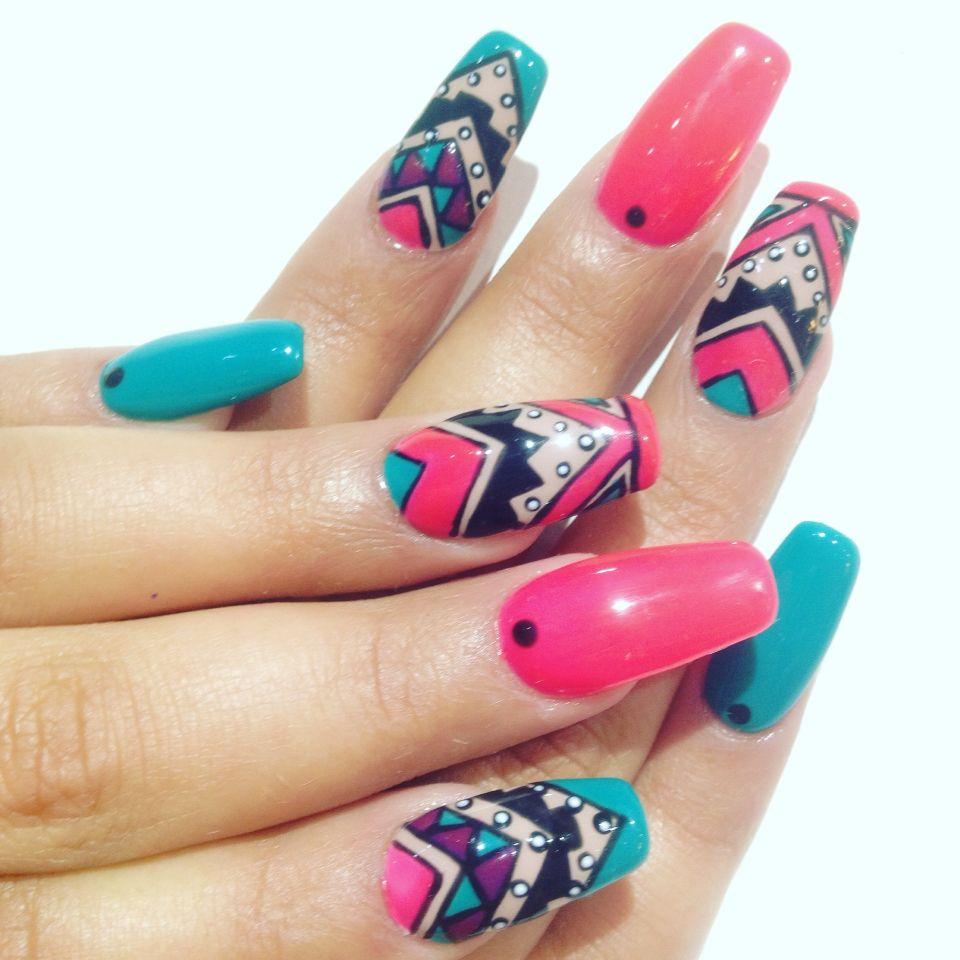 Uñas acrílicas , tribales | Nails art — Diseños de uñas ...
