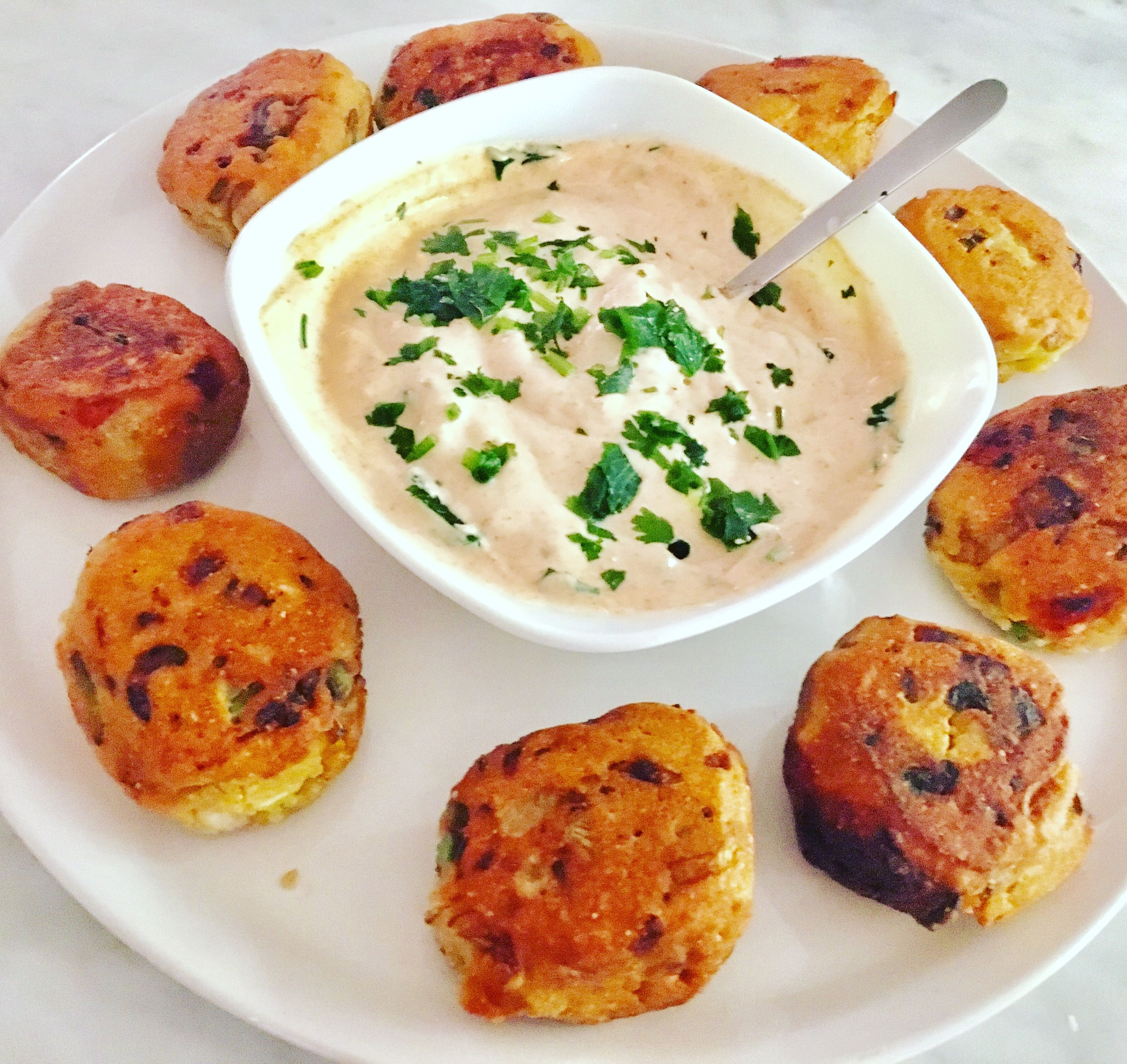 Ce soir Falafels légèrement 🌶 et crème de soja à l'ail et
