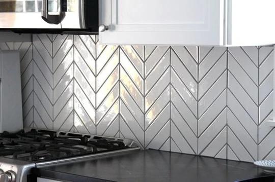 Download Wallpaper White Kitchen Chevron Backsplash