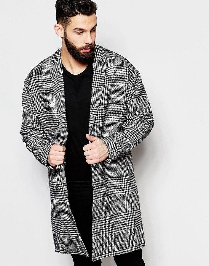 Schwarz karierter mantel
