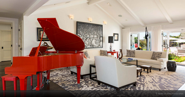 Crazy but fun red piano :-))