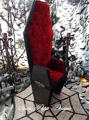 Deluxe-Wood-Gothic-Coffin-Chair-Large-Evangeline-Ghastly-dolls-Shari-Depp
