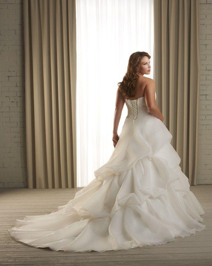 1219 - Unforgettable - Collections   Bonny Bridal  http://www.bonny.com/collections/unforgettable/1219