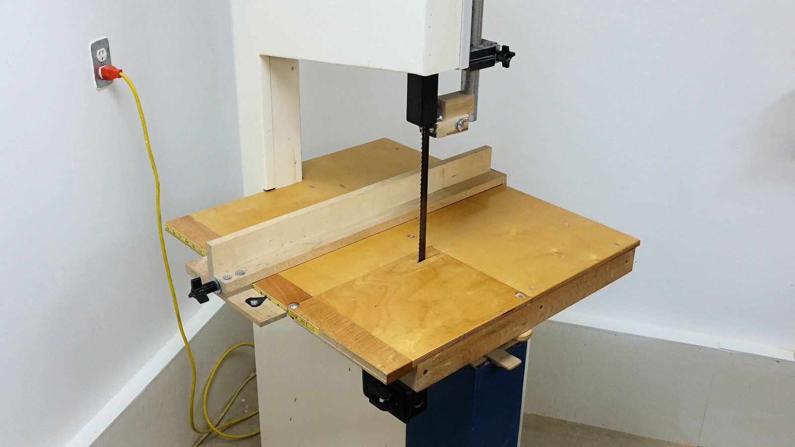 How to build a woodworking band saw Bandsaw, Table saw