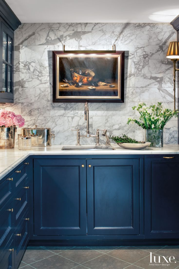 15 Rooms with Navy Blue Accents | Marble wall, Marbles and Brass faucet