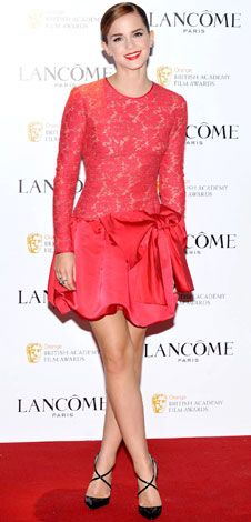 Emma Watson in a beautiful Valentino dress. Love the color!